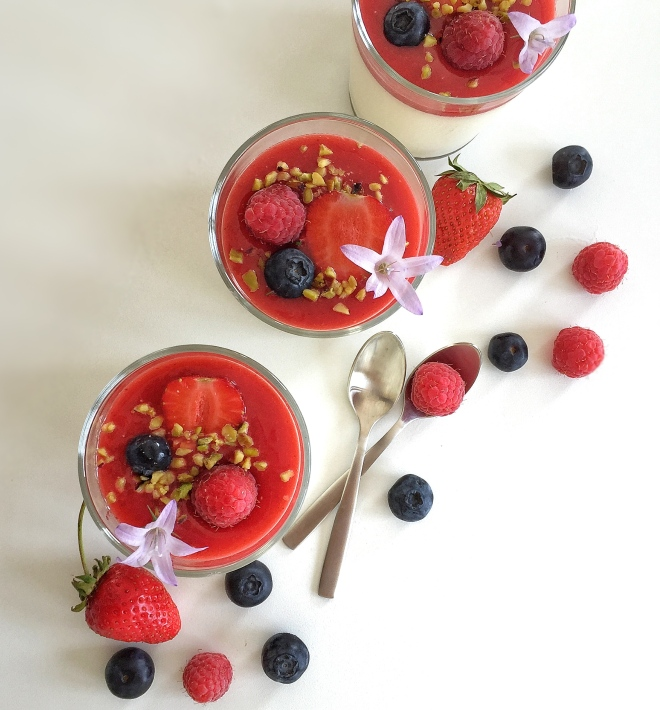 Panna cotta vanille et fruits rouges