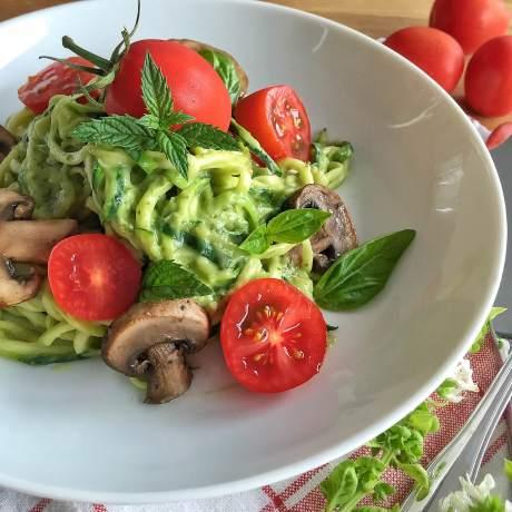 Spaghettis de courgettes sauce végétale